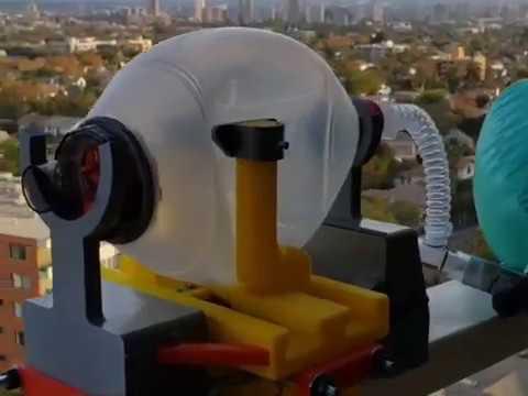 Ingenieros Usach crean ventilador mecánico portátil para enfrentar crisis del Coronavirus
