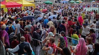 1000's of Free Indian Street Food Meals Prasadam by Hare Krishna Devotees in Trafalgar Square London