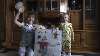 Распаковываем детский набор для уборки дома со встроенной стиральной машиной