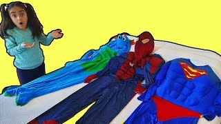 Esma wants help!! SpiderGirl and Supergirl fun video