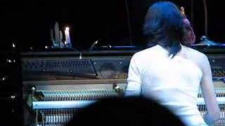 PJ Harvey live 2006 - New song (The Mountain?)