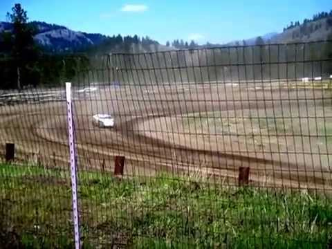 Eagle Track Raceway Modified Trophy Dash (Bryan Hobbs & Tiana Berkeley Crash) May 2nd 2015