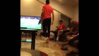 – بالفيديو.. لاعبو الهلال يطالبون الفرج بتجديد عقده