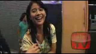 Repeat youtube video Busana Melorot Dian Sastro