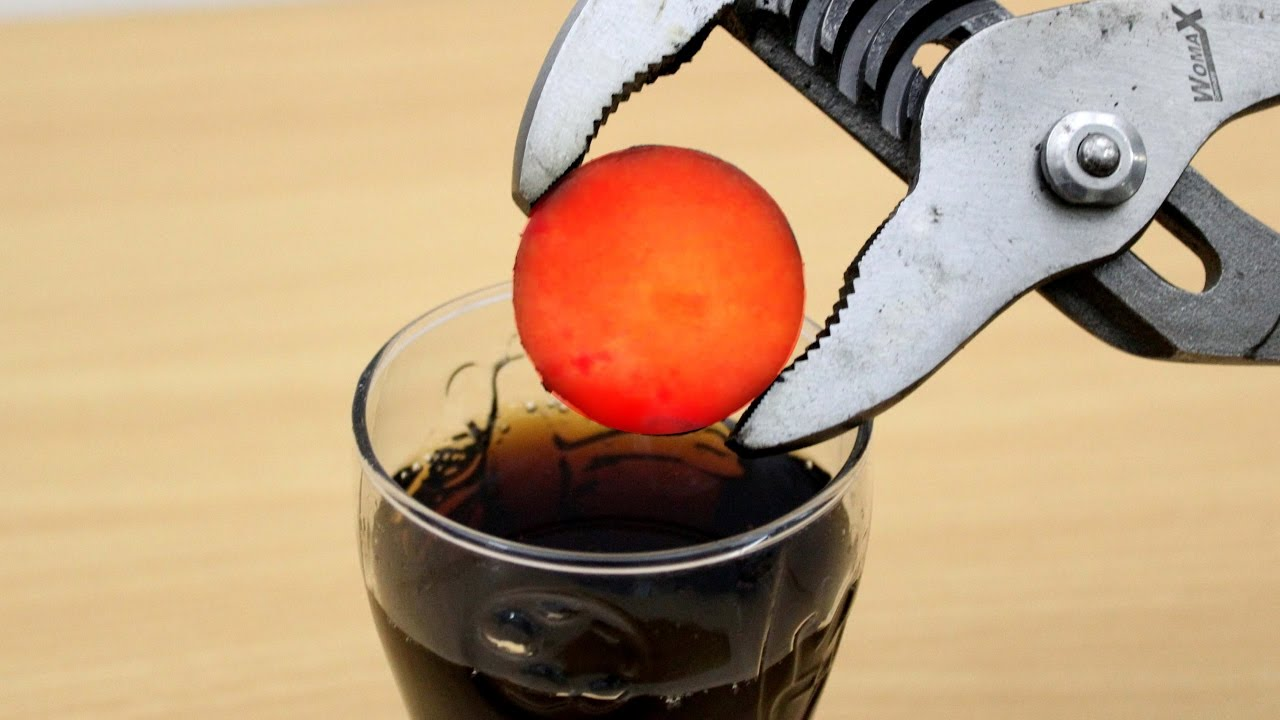 EXPERIMENT Glowing 1000 degree METAL BALL vs COCA COLA ...