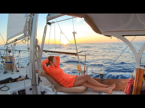 Day in the Life | Offshore Sailing to Cuba | S03E38