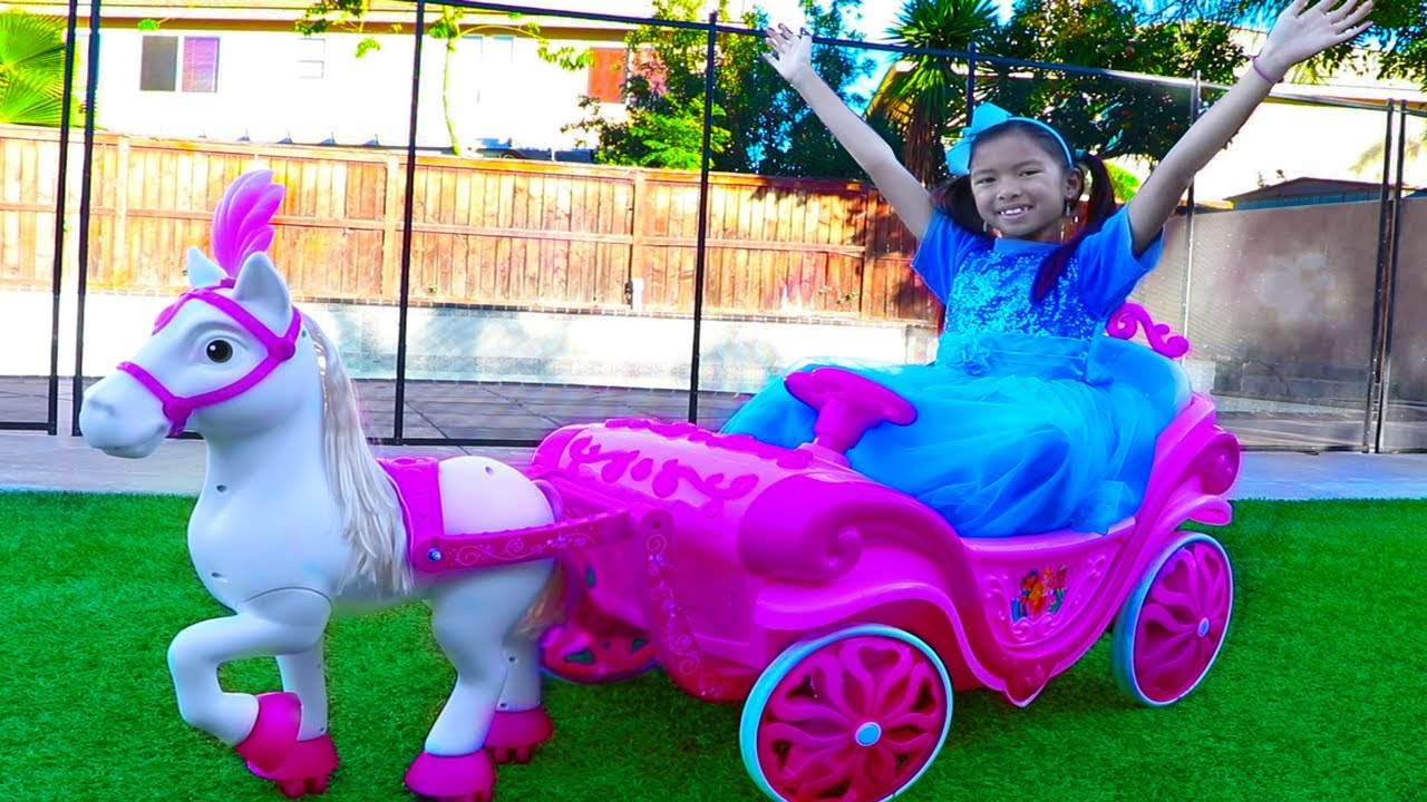 Wendy Pretend Play W Princess Ride On Horse Carriage