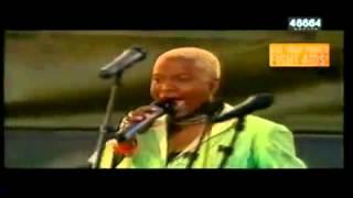 Angelique Kidjo, Annie Lennox, Sharon Corr, DJ Suga and me,  Africa 46664 Arctic 2005)