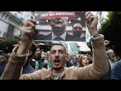 شاهد: الآلاف يخرجون في الجزائر ضد الرئيس المنتخب ورفضا لانتخابات وصفوها بالمزورة…  - نشر قبل 3 ساعة