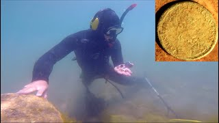 TREASURE HUNT near CASTLE Found RARE GOLD COIN & THIS!! while Metal Detecting Underwater