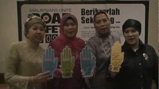 Khalilah, Noorizah, Nik dan Mazlina pledge to be good examples to all male drivers :P