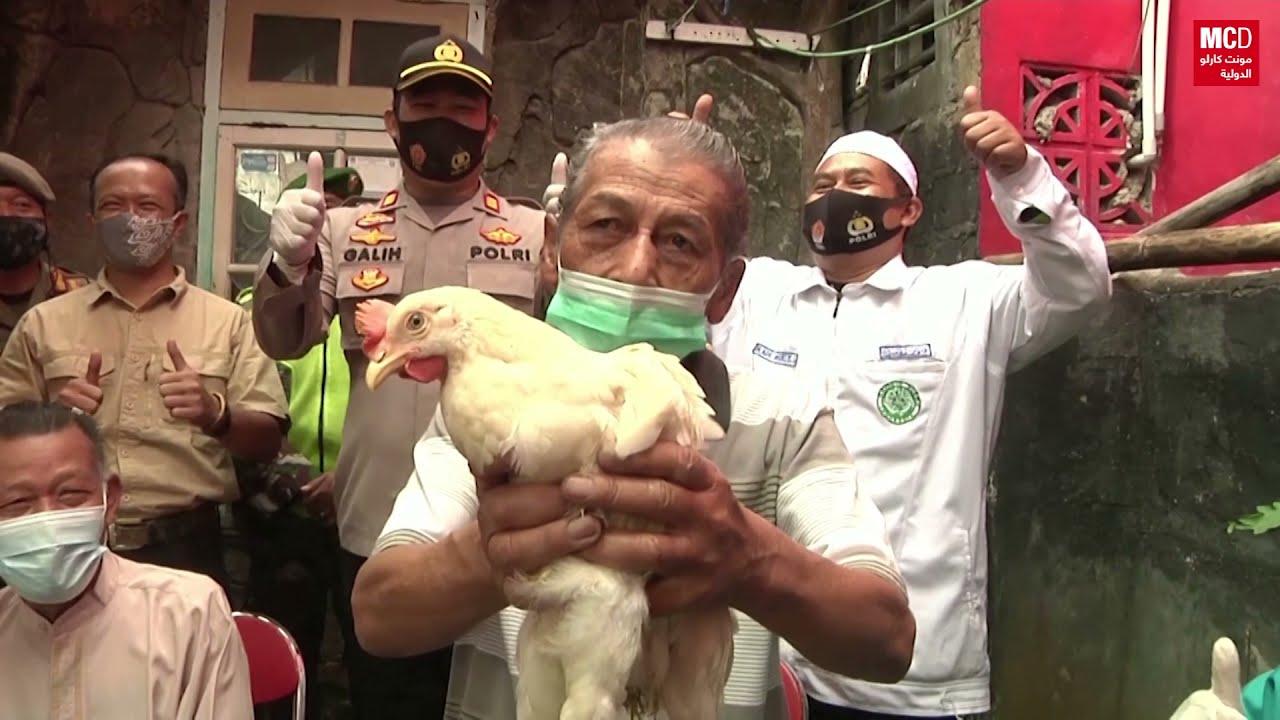 دجاج لتشجيع سكان قرية إندونيسية على التلقيح ضد  فيروس كورونا  - 13:51-2021 / 6 / 16