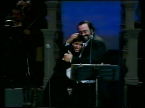 """Giorgia e Pavarotti """"Santa Lucia Luntana"""" - Pavarotti & friends 2"""