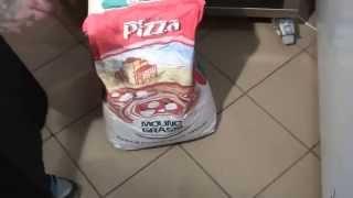 видео урок №5 Мука для пиццы, курс пиццайоло (пицца мейкера), курсы по приготовлению пиццы (pizza)(, 2014-01-03T19:15:25.000Z)
