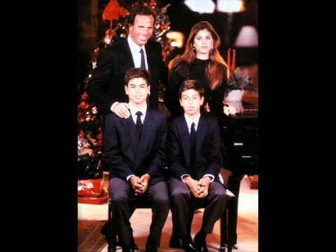 Julio Iglesias Weihnachtslieder.Noche De Paz Silent Night Julio Iglesias