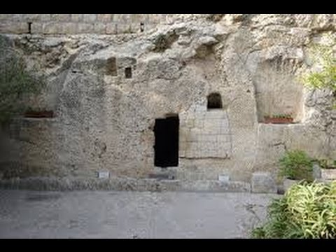 The crucifixion of Jesus and the Garden Tomb & Gordon's Calvary of Jerusalem