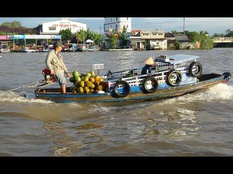 Mekong Delta Floating Market - Cai Rang (Vietnam) - 4K