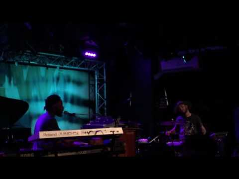 """Cory Henry """"Don't Worry Be Happy"""" @ New Morning (Paris)"""