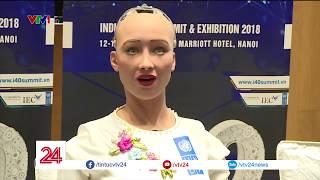 Robot tuyên bố hủy diệt loài người Sophia trả lời phỏng vấn của VTV24