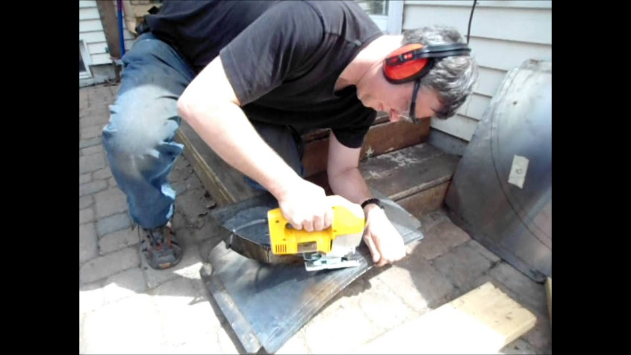 Cutting stainless steel sheets with a jig saw - YouTube