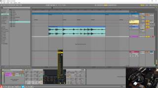 Repeat youtube video Ableton Live 9 - Quickly Tune A Sample Using Operator