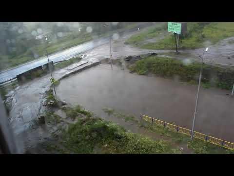 Брянск ул  Романа Брянского потоп на новой дороге 14.07.2018