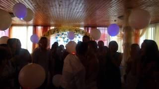 видео Оформление выписки из роддома воздушными шариками в Саратове