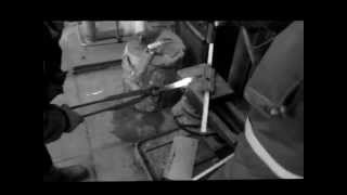 кованная дверная ручка(Кованная это громко сказано, скорее горячее гнутьё :-), 2013-03-22T17:10:17.000Z)