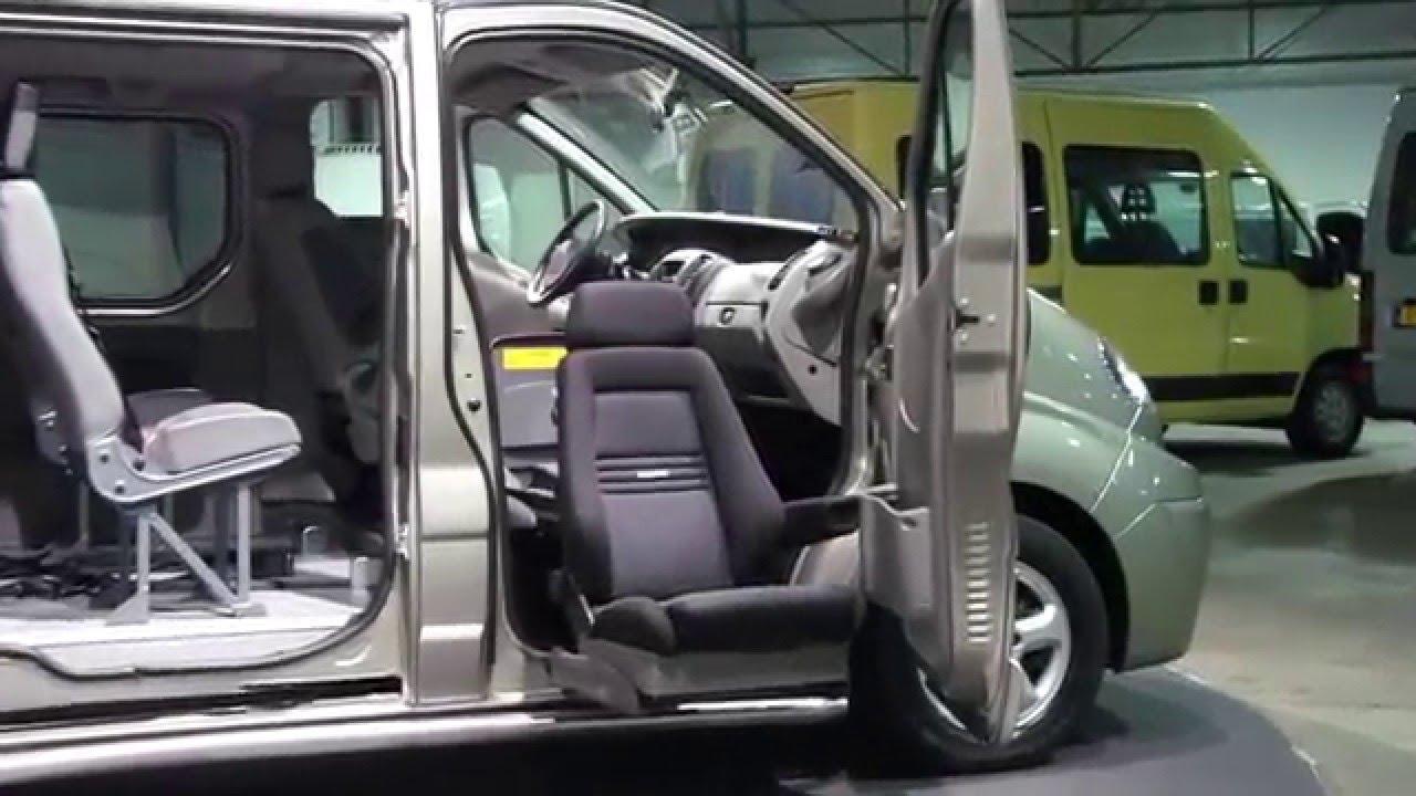 Draaistoel In Auto.Renault Trafic 2 5 Dci Rolstoelbus 145pk Automaat Turny Draaistoel Derks Bedrijfswagens