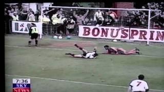 Boreham Wood 2-3 Luton Town FAC1 Gray 2 Davis 15th Nov 1998