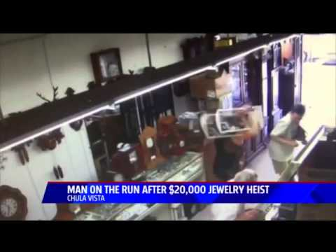 Thief steals display case from Chula Vista jeweler