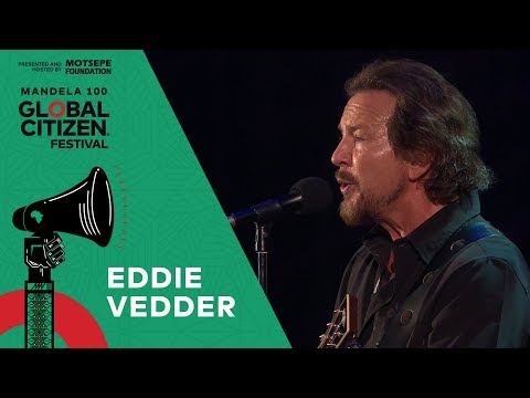 "Eddie Vedder Performs Cover of ""Imagine"" 