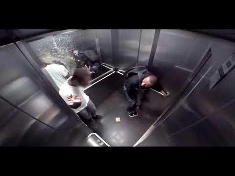 Кино голый в лифте эта