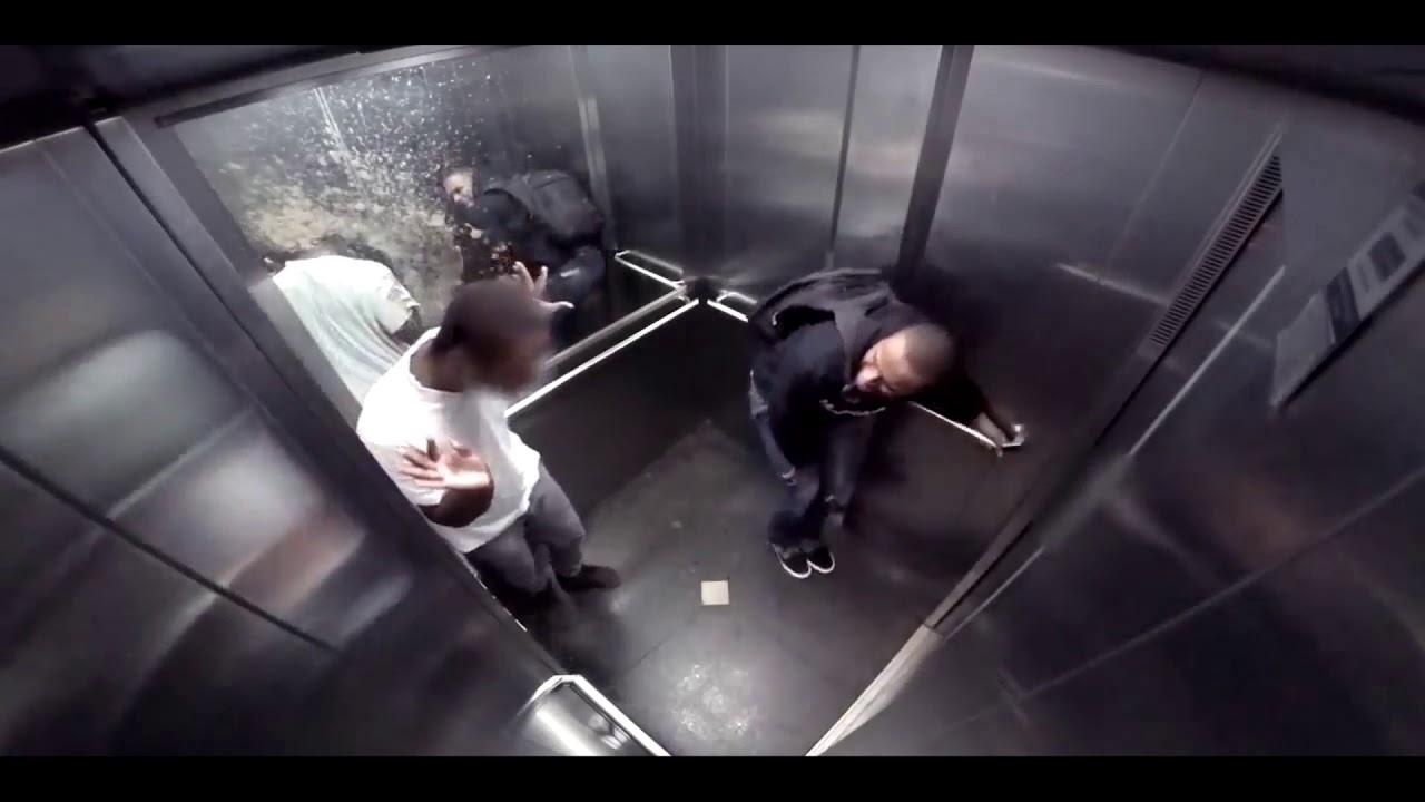 Трахнули молоденькую в лифте