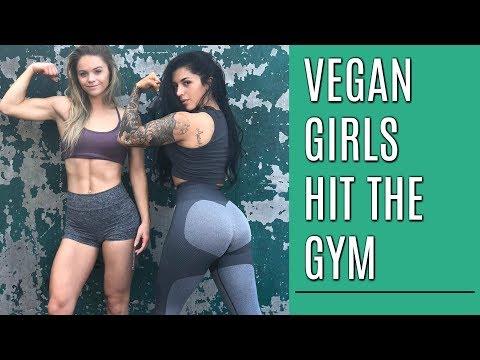 Vegan Girls Hit the Gym   Upper Body with Naturally Stefanie