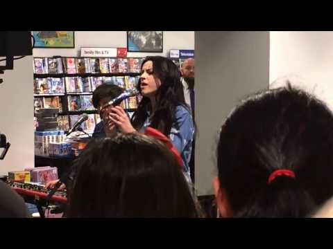 Amy MacDonald - Down by The Water - Live in HMV Edinburgh