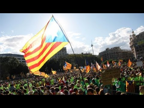 Catalonia and Spain 'Playing Chicken' Ahead of Independence Vote