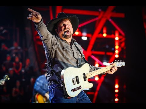 garth-brooks-talks-about-his-regina-concerts,-folk-festival