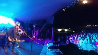 Gambar cover Blue Shaddy live in 360 video at Bridgetown 2016 - Howlin' Dog