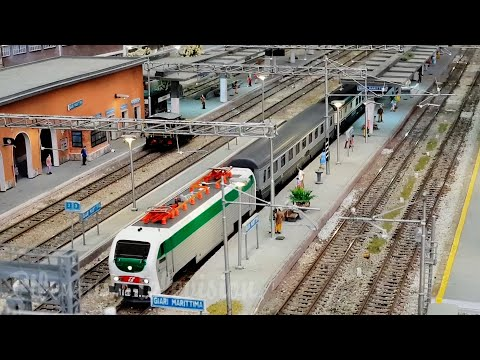 Model Railway Layout with Italian High Speed Trains (Treni in Transito: Plastico HO Trenitalia)