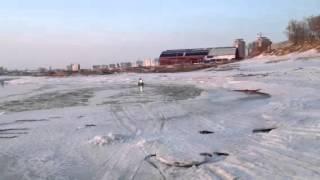 Экстрим катание на снегоходе по воде(Экстрим катание на снегоходе по воде., 2012-03-27T04:27:27.000Z)