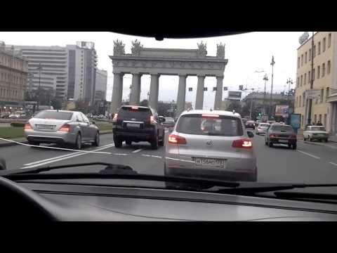 На машине по Санкт-Петербургу. Московский проспект. Московские триумфальные ворота.