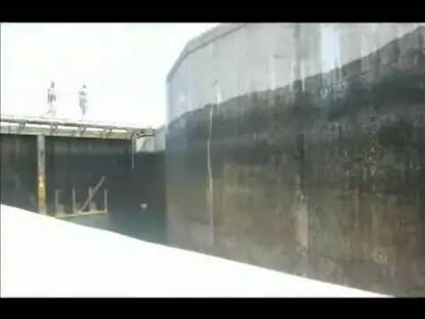 Lock (water transport)