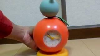 清涼飲料水「Qoo」のプレゼント品、踊る目覚まし時計の動作映像になりま...