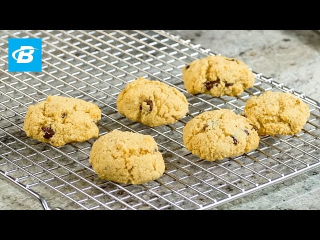Healthy Chocolate Chip Protein Cookies   Quick Recipes [YouTube 動画] クリックで動画がスタンバイされ、もう1回クリックすると再生します