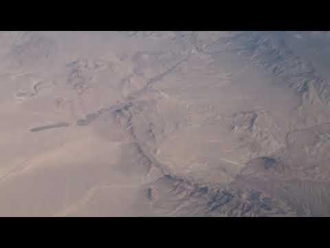 空撮!灼熱のブラックロック砂漠...