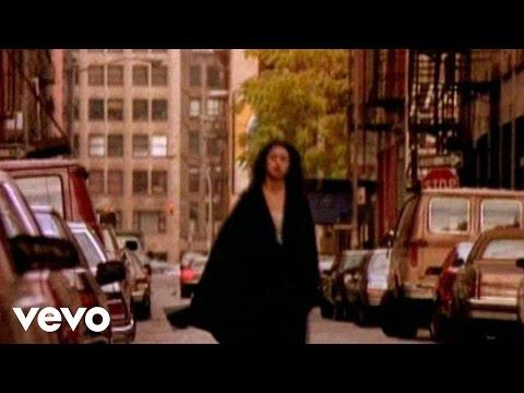 Music video by Marisa Monte performing Eu Nao Sou Da Sua Rua (2004 Digital Remaster).