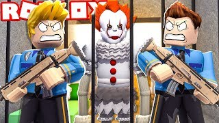 CLOWN IT THE THING WAS TRAPPED IN THE ROBLOX!