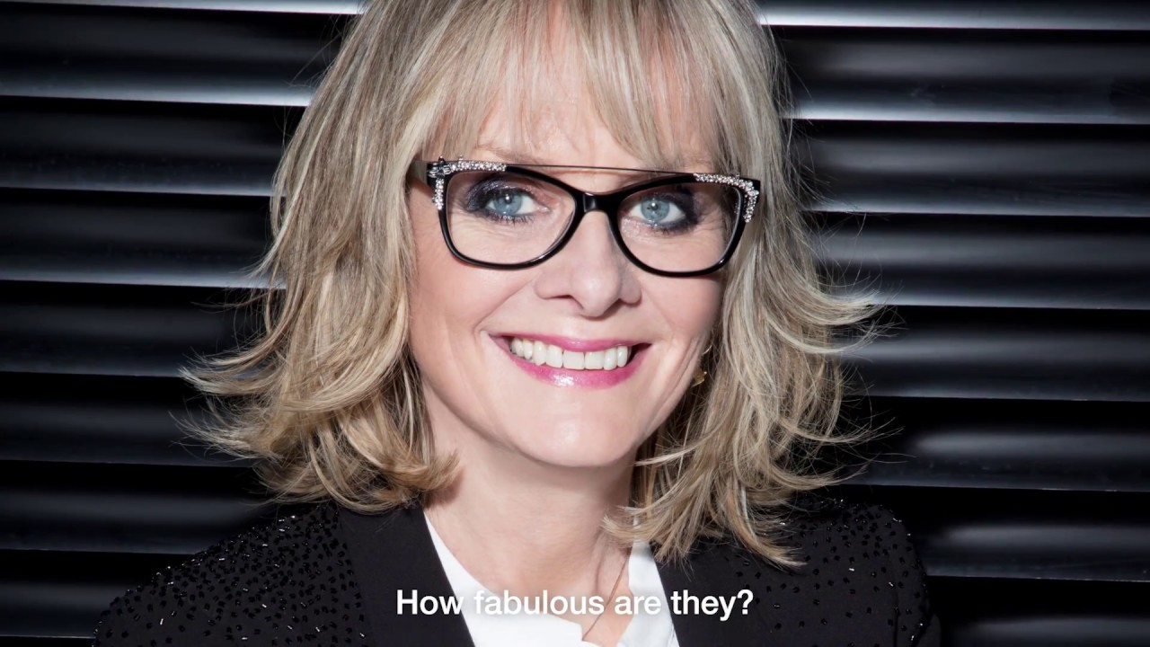 a537c31be9f4 Twiggy for Aurora at Specsavers - YouTube