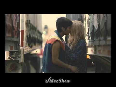 Kiss me Crazy- Bear In Heaven (i hate love)